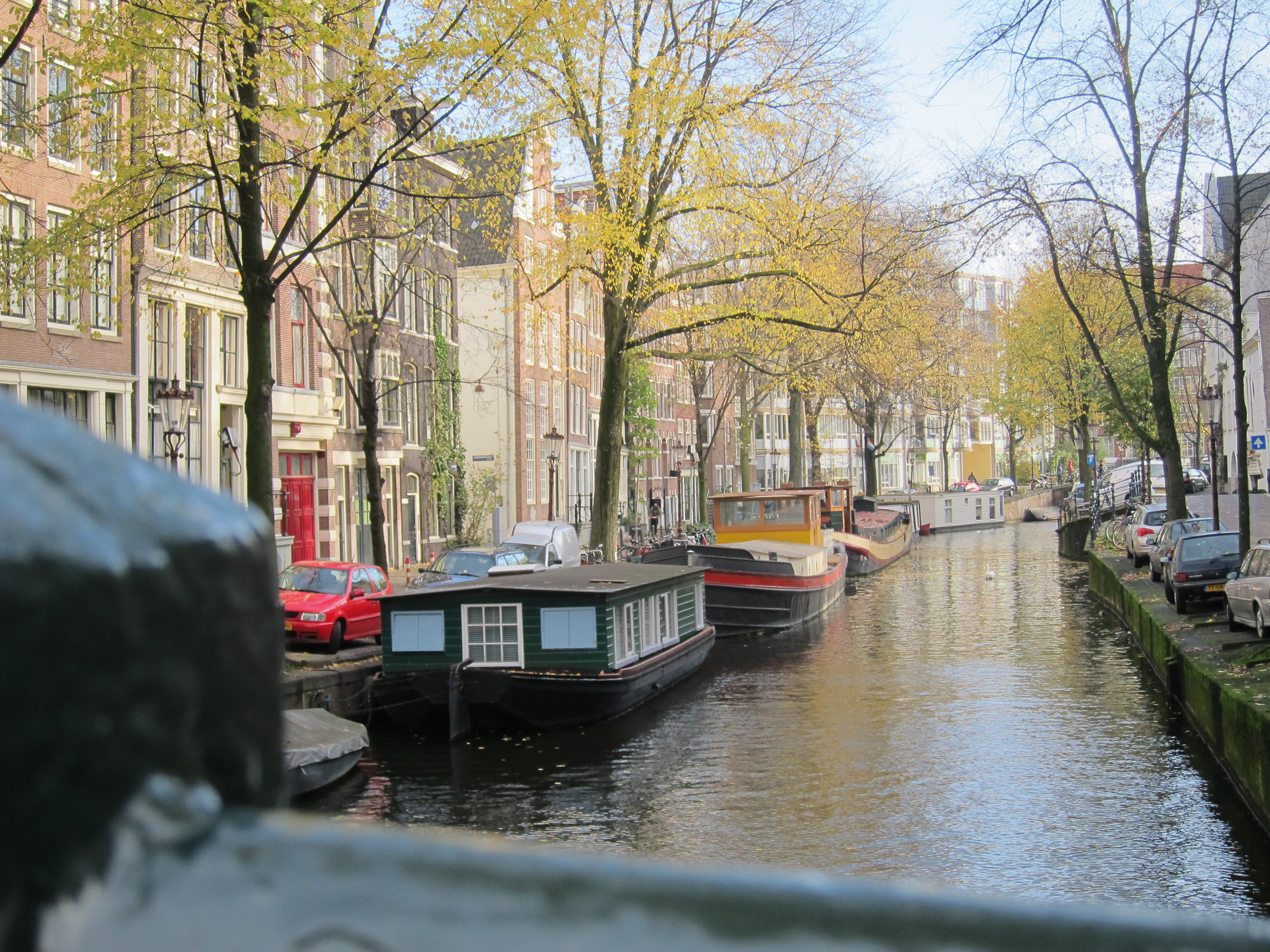 A quintessential canal in Amsterdam